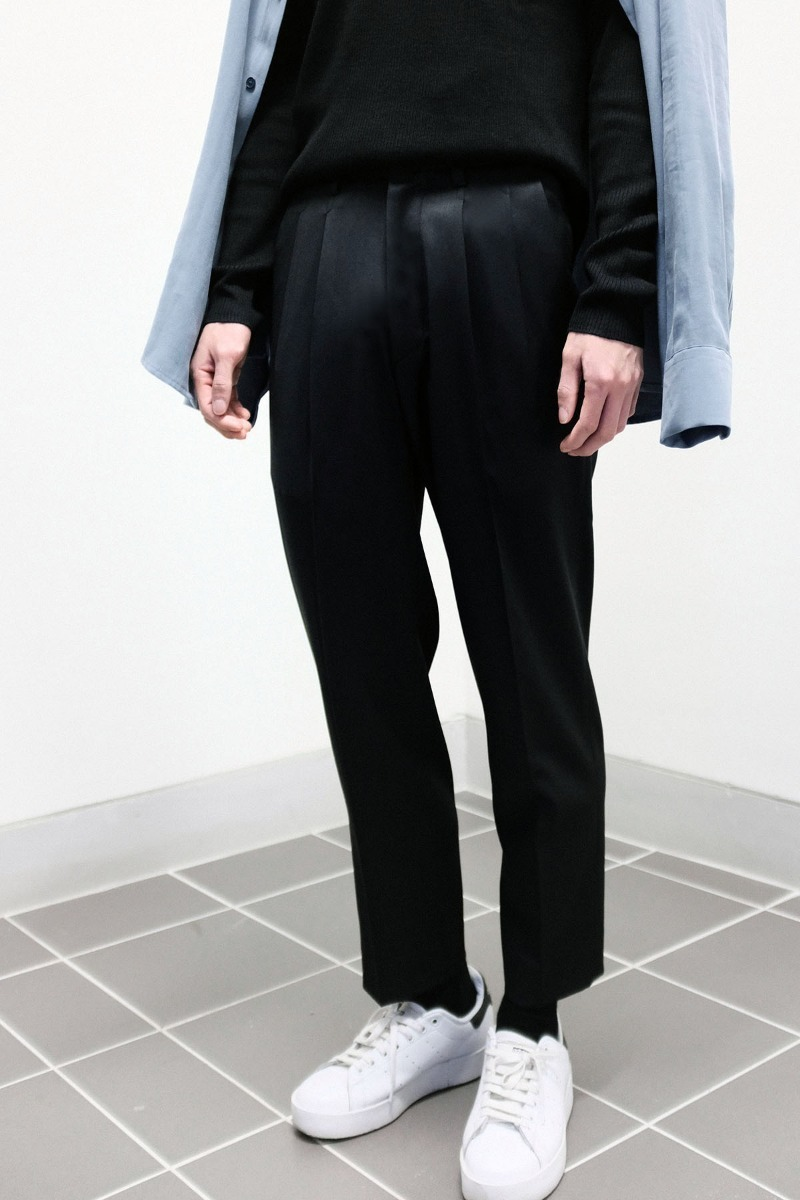(경남모직) Two-Tuck Wool Trousers (Black)