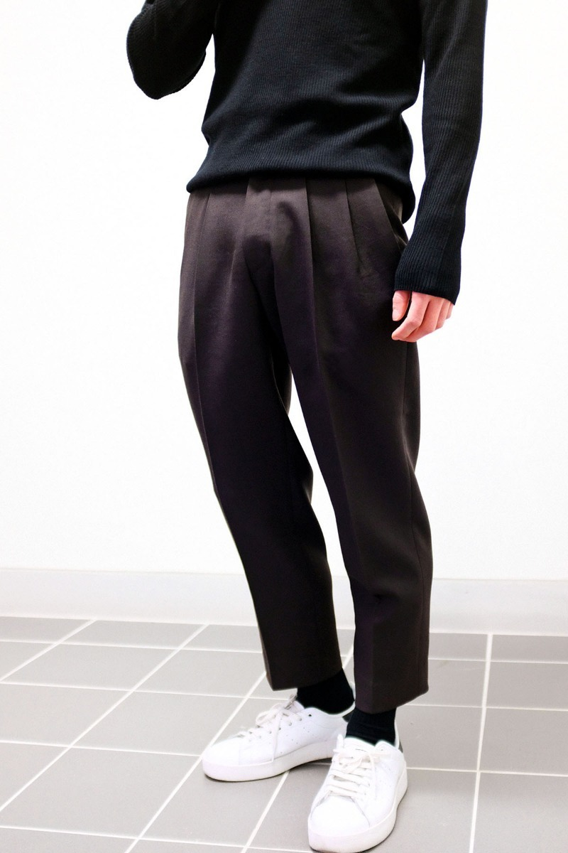 Two tuck Wool Trousers (Dark Brown)